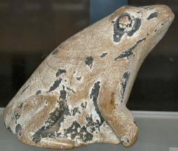 grenouille-en-bois-musee-du-louvre