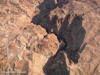 nahal-darga-wadi-murabbaat-aerial-tb010703335-lugaresbiblicos